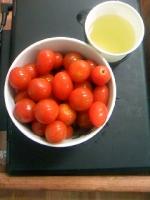 今日のおやつトマト.jpg